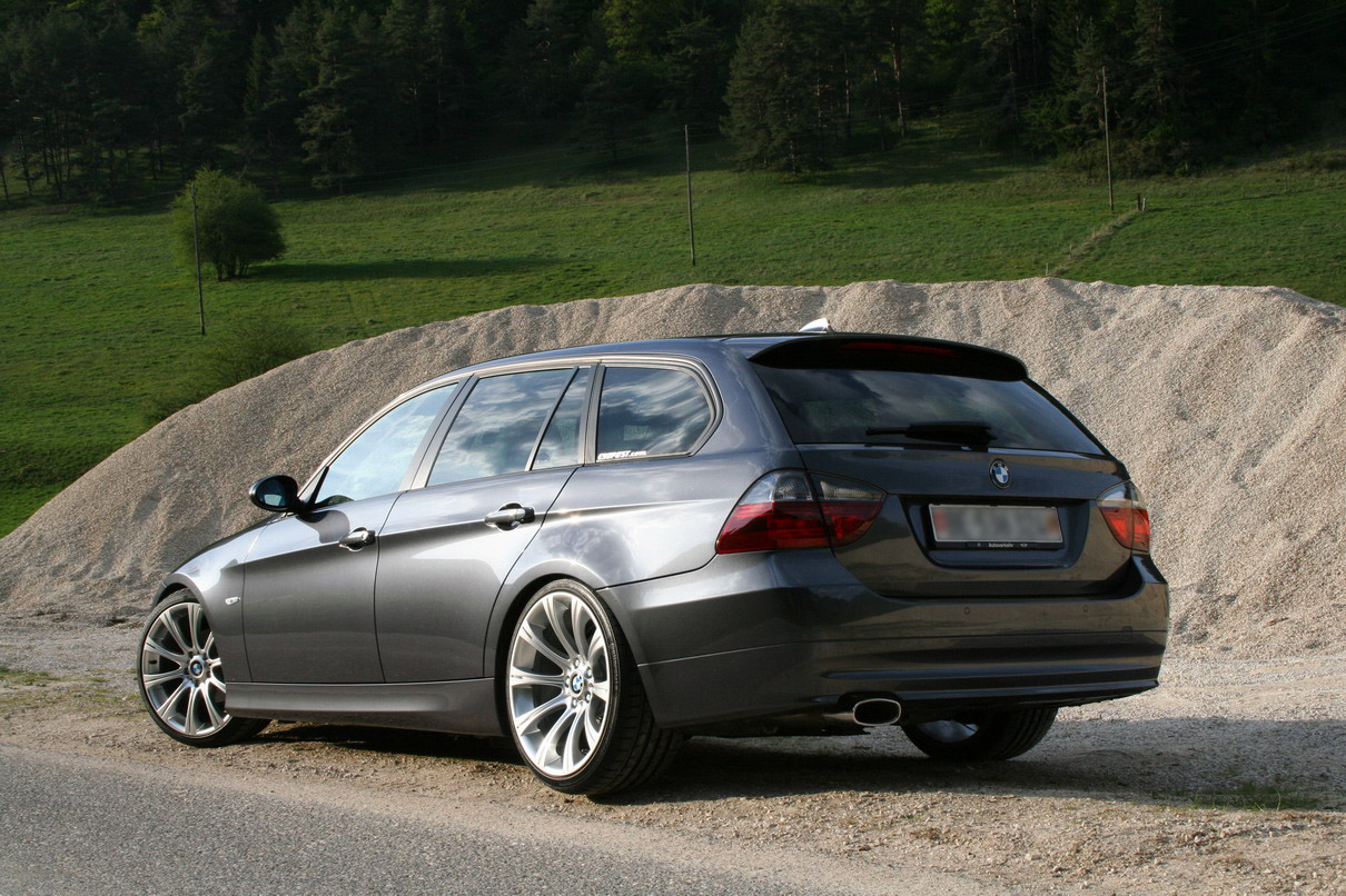 BMW 320d Touring: 6 фото