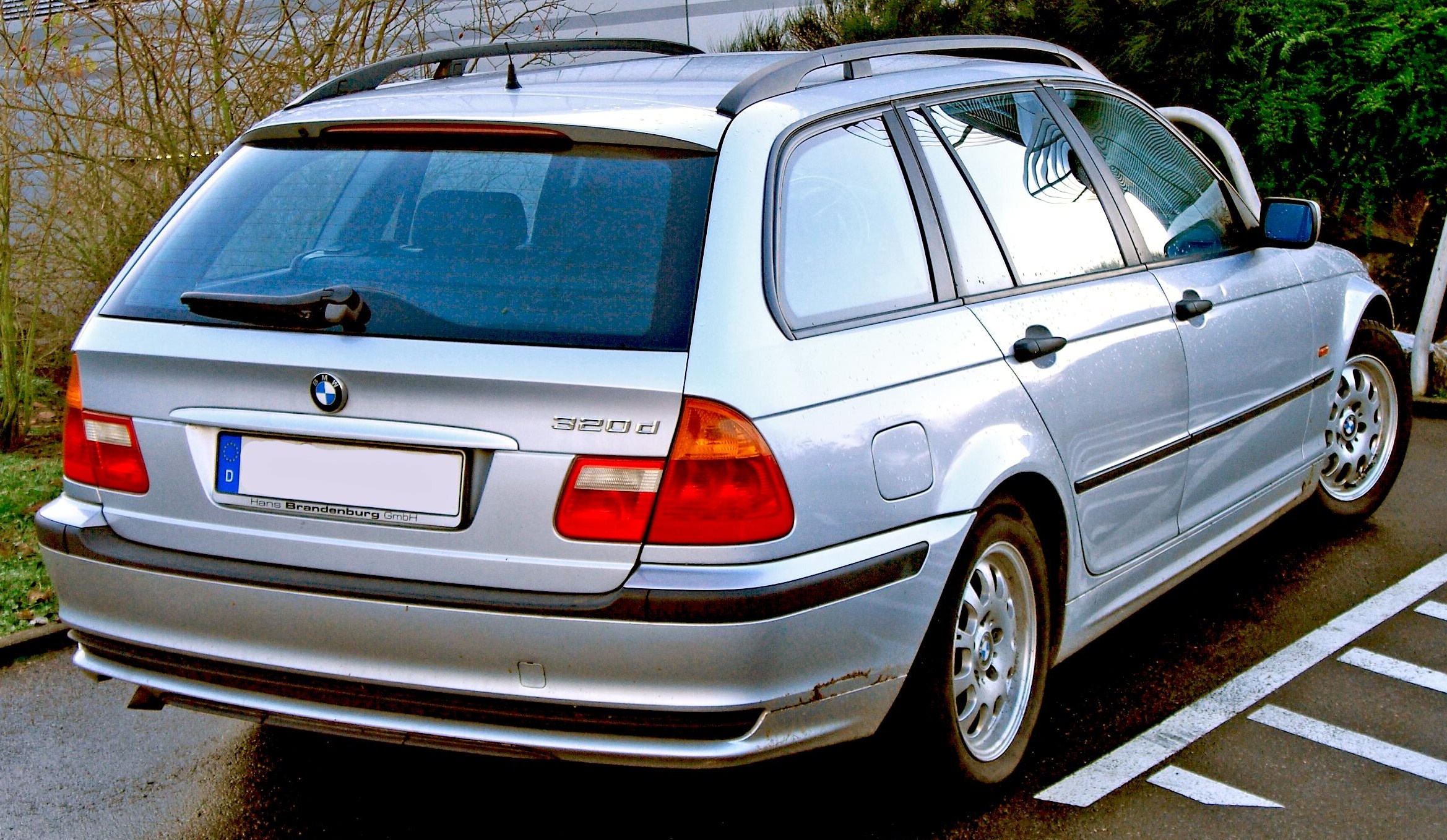 BMW 320d Touring: 7 фото
