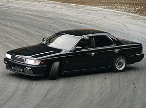 Nissan Laurel: 02 фото